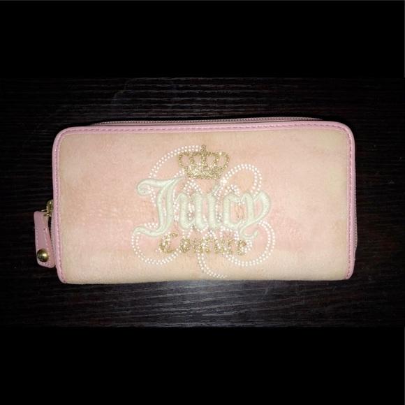 Juicy Couture Handbags - Juicy Couture Wallet